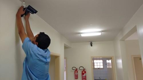 Câmeras de monitoramento empresarial